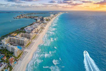 Vista aérea de una playa de México